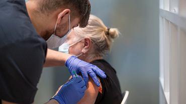 Szczepienia. W Podlaskiem podano 577,7 tys. dawek. W pełni zaszczepionych jest 173,5 tys. osób