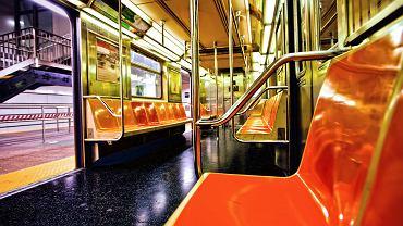 Kolej miejska metro. Subway w Nowym Jorku / shutterstock