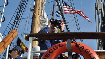 Trzymasztowy żaglowiec nazywał się 'Horst Wessel' na cześć nazistowskiego działacza. Dziś to 'Eagle' - America's Tall Ship.