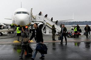 Polskich pracowników Ryanaira czekają grupowe zwolnienia? Część boi się i sama rezygnuje z etatów
