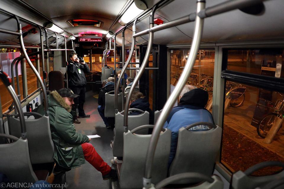Autobus dla bezdomnych. Linia dla bezdomnych codziennie ma pięć kursów