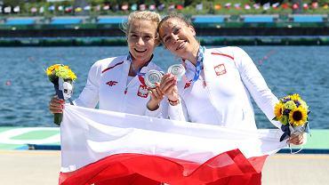 Karolina Naja (à gauche) et Anna Pu³awska avec les médailles d'argent des Jeux olympiques de Tokyo