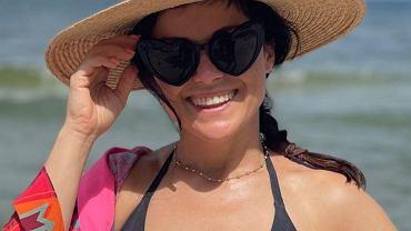 Katarzyna Cichopek opublikowała gorące zdjęcia w stylowym kostiumie kąpielowym