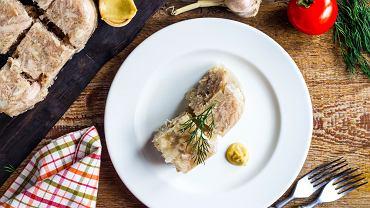 Zimne smakują doskonale z octem i pajdą świeżego chleba, ale są też jedną z najlepiej znanych zakąsek do wódki