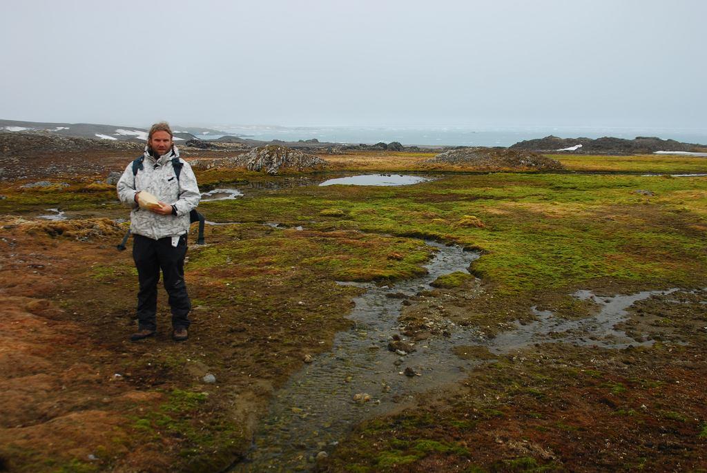 Spitsbergen latem. Badania ekosystemów polarnych - tundra