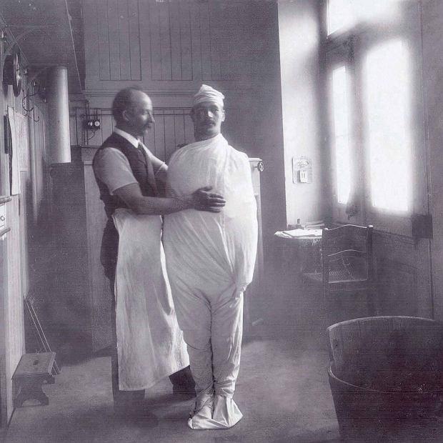 Hydroterapia  w sanatorium doktora Birchera, 1910 r.