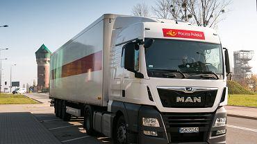 Ciężarówka Poczty Polskiej (zdjęcie ilustracyjne)