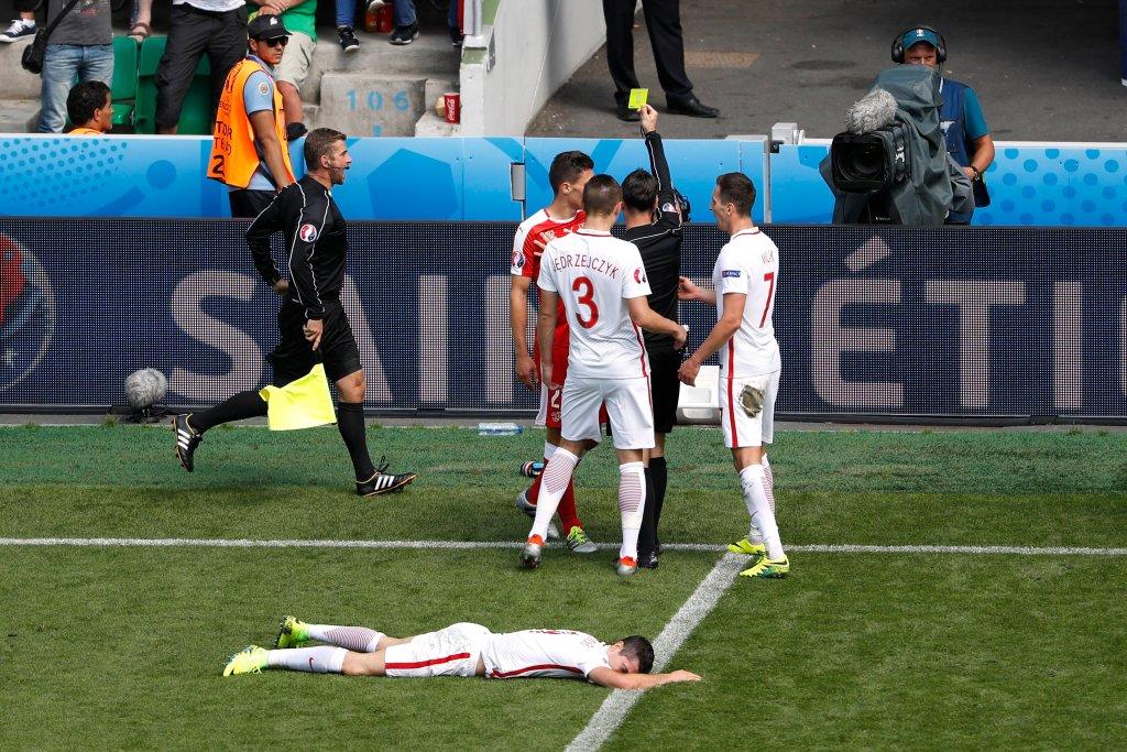 Lewandowski po brutalnym faulu Szwajcarów, który mógł go wyeliminować z turnieju