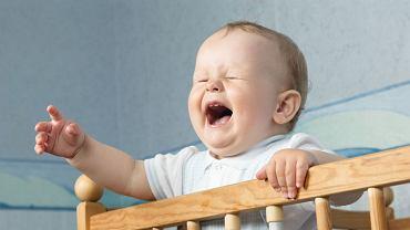 Nocne pobudki nie mają złego wpływu na dziecko. A co z rodzicami?