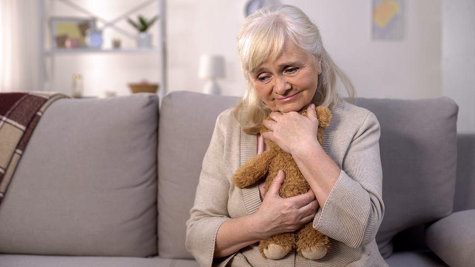 Opiekun nie powinien uszczęśliwiać chorej osoby na siłę. To chory decyduje, jaką drogę leczenia wybierze.