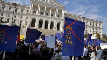 Protesty przeciwko legalizacji eutanazji w Portugalii