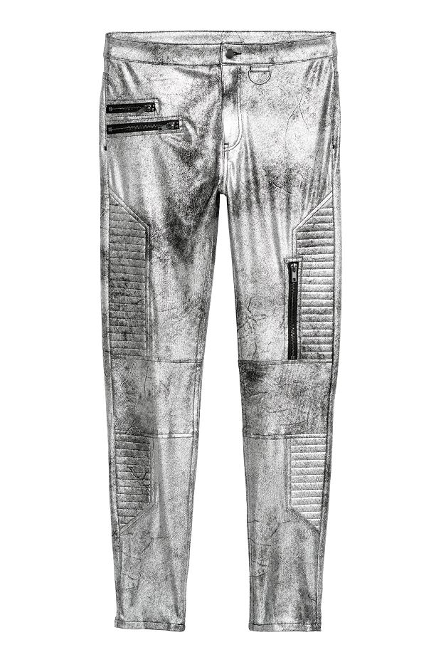 H&M, spodnie w stylu motocyklowym - nowa cena: 69,90 zł; stara cena: 139,90 zł
