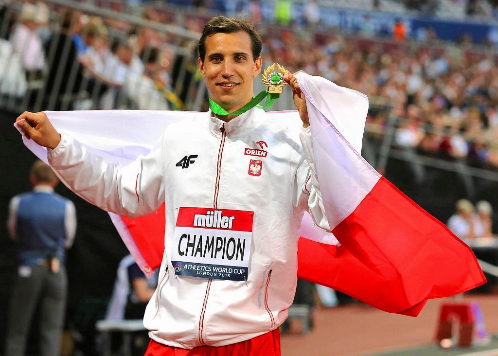 Zwycięzca trójskoku podczas Pucharu Świata w Londynie Karol Hoffmann