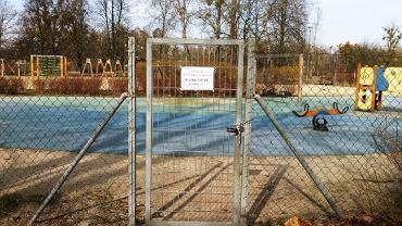 Koronawirus w Warszawie. Kolejne dzielnice zamykają place zabaw