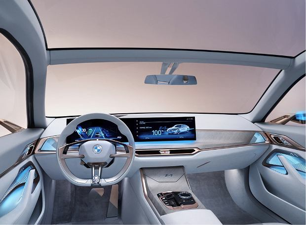 Wnętrze samochodu BMW i4