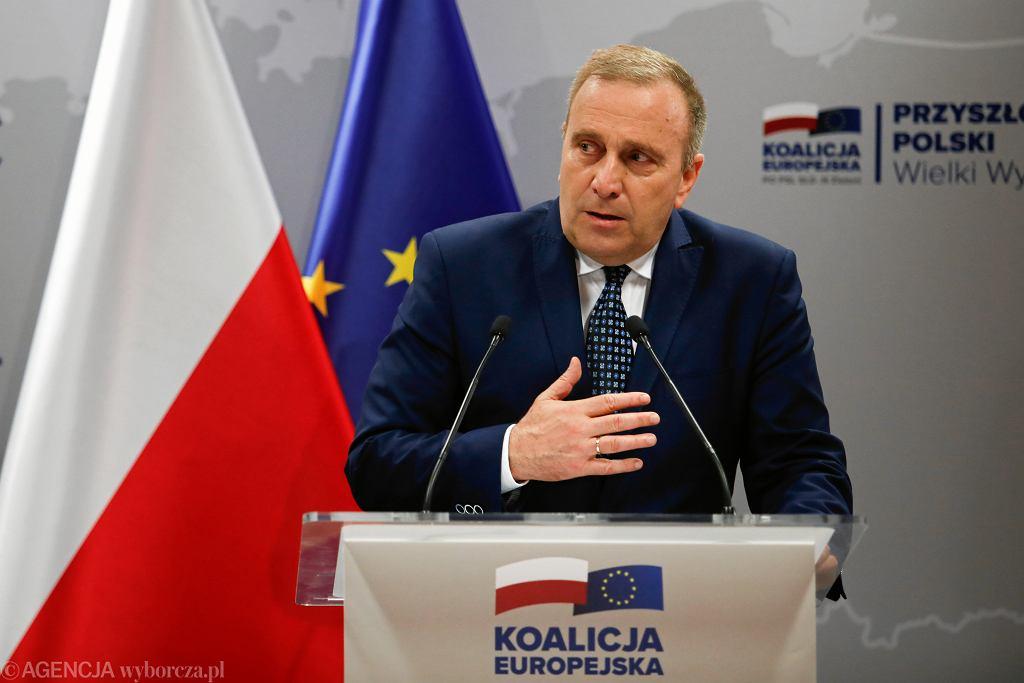 Grzegorz Schetyna przedstawił projekt ustawy 'Czyste ręce'