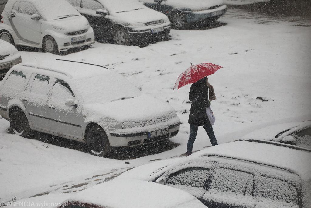 IMGW wydało ostrzeżenia pierwszego stopnia przed opadami śniegu