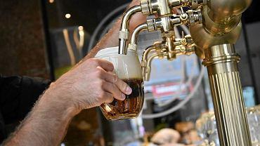 Norwegia. Rząd ogłasza lockdown. Zakaz serwowania alkoholu w całym kraju