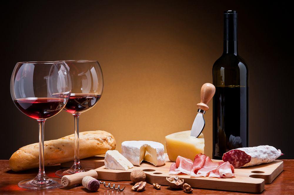 Wino i ser.