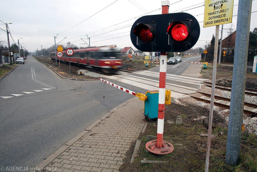Przejazd kolejowy [zdjęcie ilustracyjne]