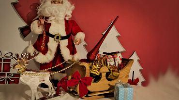 Ozdoby świąteczne mają wprowadzić klimat.