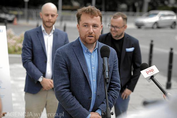 Prezentacja 21 tez 'Solidarny samorząd' ruchów miejskich. Na zdjęciu Jan Mencwel, lider stowarzyszenia 'Miasto Jest Nasze'
