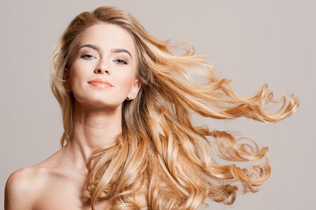 kąpiel rozjaśniająca włosy efekty