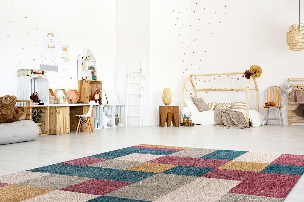 Dywany dla dzieci z włókien syntetycznych - idealne dla alergików