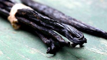 Wanilia - czym jest, jak rośnie, jak kupić najlepszą i jak ją wykorzystać w kuchni?