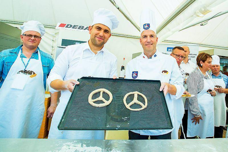 Przyszły dyrektor jaworskiej fabryki Daimlera Andreas Schenkel był gościem specjalnym podczas letniego Święta Chleba i Piernika
