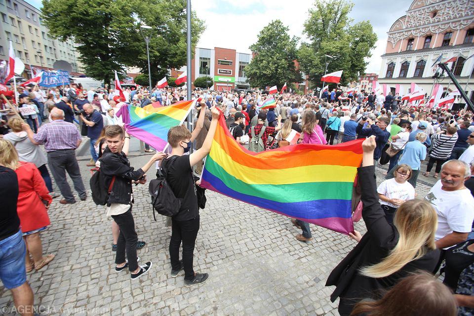 Wiec wyborczy Andrzeja Dudy w Stargardzie. Stracie zwolenników i przeciwników