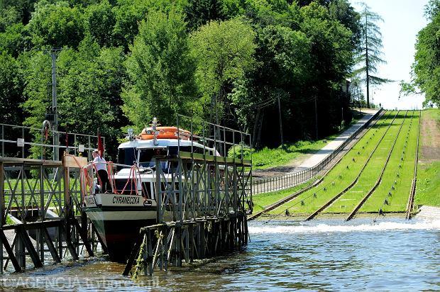 Warmia i Mazury na wakacje. Ponad dwa tysiące jezior i jedne z najpiękniejszych mostów w Polsce