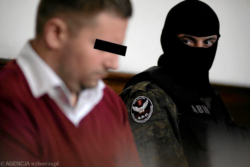 Główny oskarżony, były prezes piramidy finansowej Amber Gold Marcin P. podczas rozprawy przed gdańskim sądem