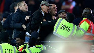 Zamieszki podczas meczu Pucharu Ligi Angielskiej West Ham - Chelsea Londyn