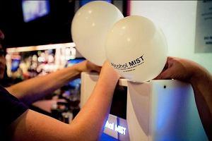 Wdychanie wódki z balonu. Nowy trend w brytyjskich klubach
