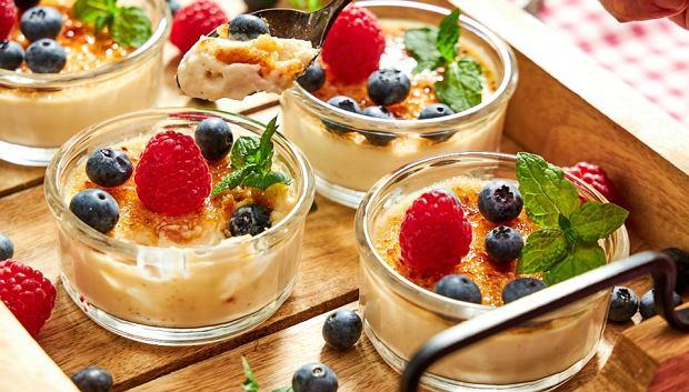 Desery świata, które łączy jeden składnik. Masz go w swojej kuchni? [PRZEPISY]