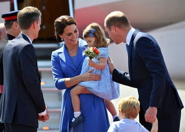 Książę William, księżna Kate, księżniczka Charlotte i książę George wylądowali w Berlinie