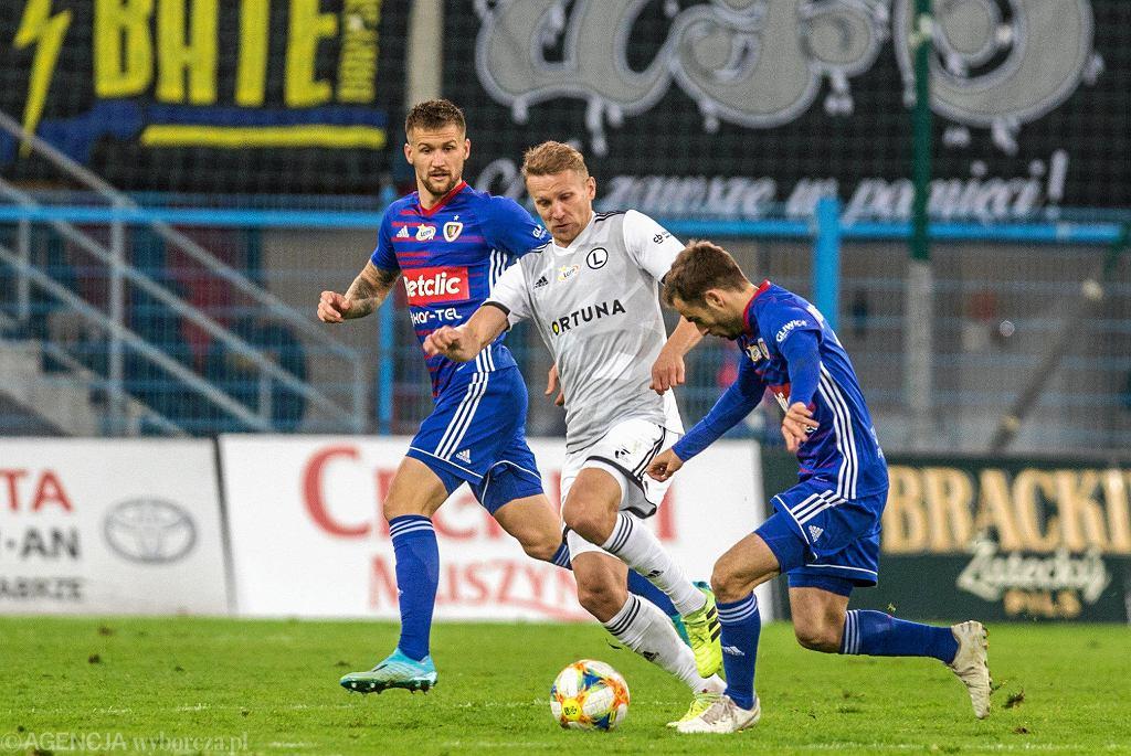 Piotr Parzyszek, Igor Lewczuk i Jorge Felix w meczu Piast - Legia