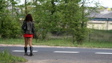 Policja wielkopolska zatrzymała 13 osób podejrzewanych o handel kobietami. Miały zmuszać Peruwianki do prostytucji