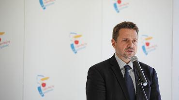 Konferencja prasowa Rafała Trzaskowskiego ws. wzrostu zakażeń koronawirusem w Warszawie