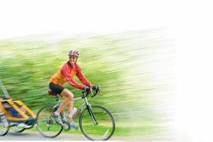 Fotelik czy przyczepka? Cykliści na start!