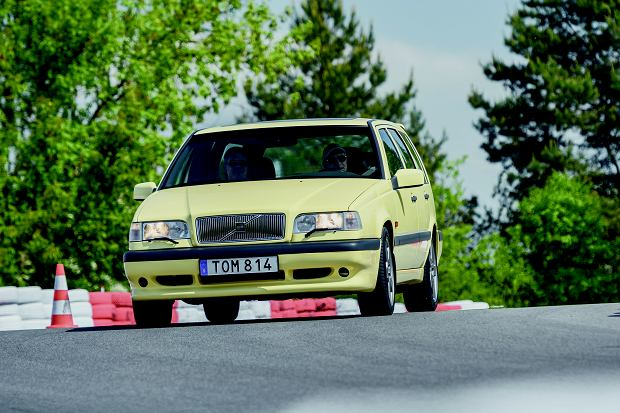 Model 850 był pierwszym dużym przednionapędowym Volvo. Tu w podrasowanej wersji T5R.