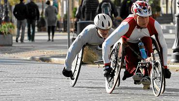 Warszawa. Niepełnosprawni maratoczycy