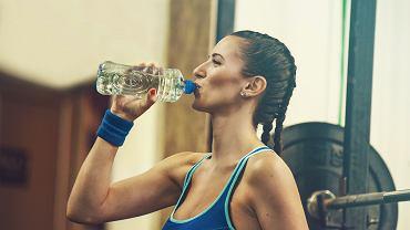 Nawodnienie w trakcie i po treningu wspomaga metabolizm