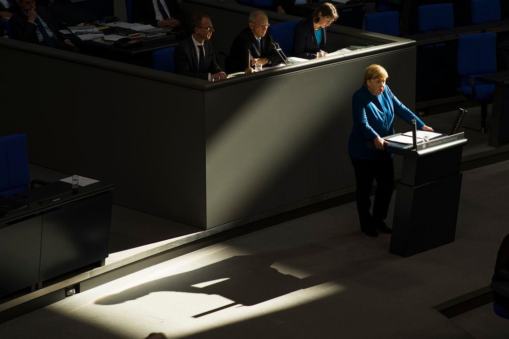 Angela Merkel podczas przemówienia w Budnestagu