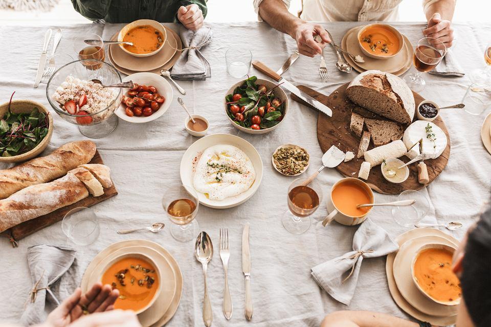 Piękny i solidnie wykonany serwis obiadowy warto mieć w swojej kuchni.