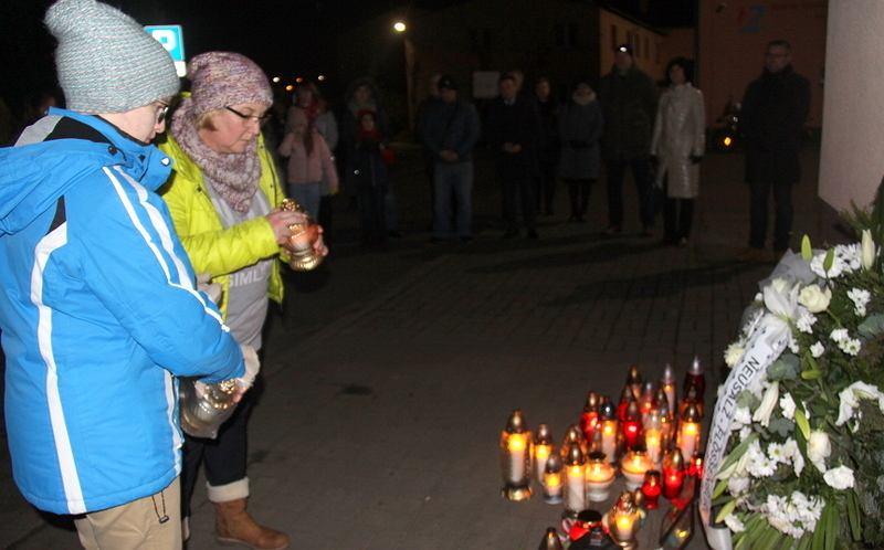 Nowa Sól, styczeń 2020. Mieszkańcy uczcili po raz piąty ofiary nazistowskiego  do Flossenburga po likwidacji filii obozu Gross-Rosen w Neusalz