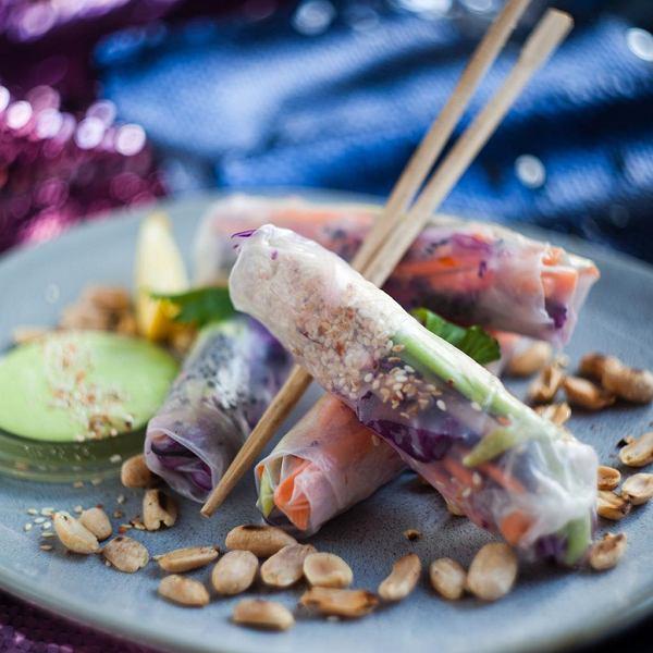 Spring rolls ze świeżymi warzywami i sosem wasabi