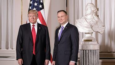 Szczyt inicjatywy Trójmorza z udziałem prezydenta Stanów Zjednoczonych Ameryki . Donald Trump i Andrzej Duda podczas powitania na Zamku Królewskim, Warszawa 06.07.2017.