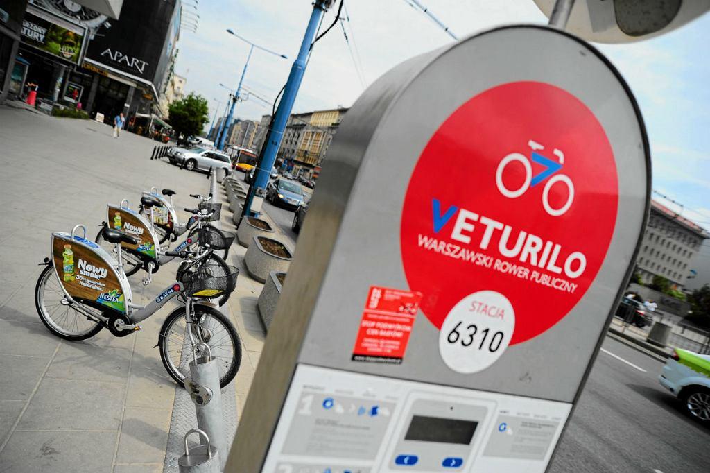 Stacja rowerów Veturilo przy Al. Jerozolimskich.